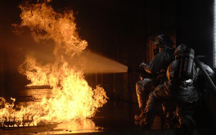 Обои на рабочий стол пожарная техника